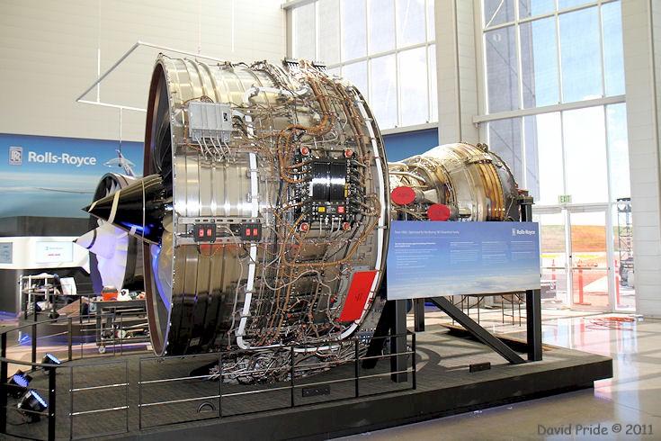 trent 1000 thrust reverser
